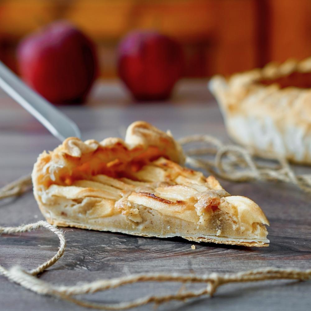 Apple Cinnamon Puff Cake